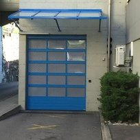 nos-realisations-en-images-portes-sectionnelle-d-entree-des-ambulances-portes-de-garage-jean-woeffray-help-serrures-monthey